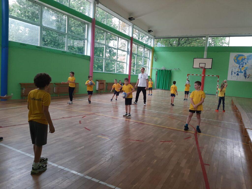 Trening piłki siatkowej